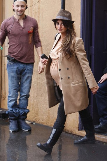 Penelope Cruz Baby Bump Pictures. Pictures of Pregnant Penelope
